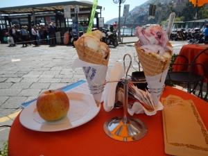 Lunch on the Amalfi coast. very healthy kiwi fruit (eaten) and BIG apple!
