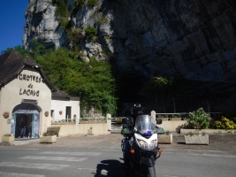 In front of the Les Grottes de Lacave