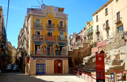Narrow streets - colourful mural - ancient ruins