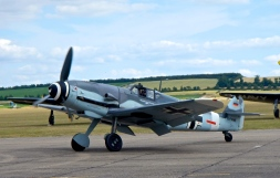 Messerschmitt Bf109 taxi's by