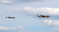 What a sight ! A Lockeed P38 Lightning and a Mitchell B25 Bomber