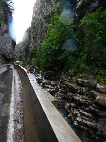 Long, narrow gorge & high walls