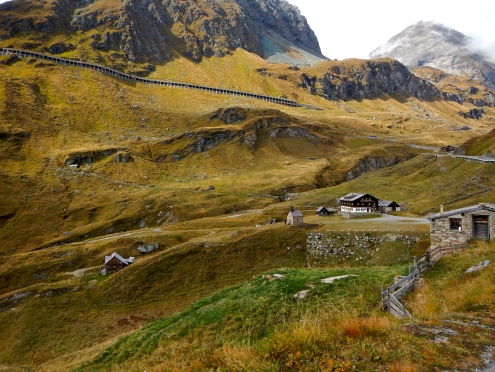 Road heading to the Frans Josefs Hohe and Pasterze Glacier