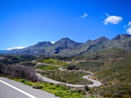 Crete, blue sky's and fun roads
