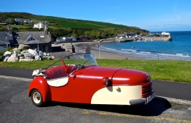 An old 1951 vintage Bond 3 wheeler, prepelled by a 197cc 2stroke Villiers power house!