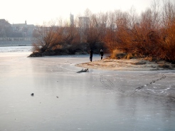 These kids had the police looking for them - see their tracks on the iced over Vistula river
