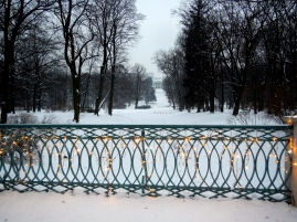 Looking down over the icey lake to the Palace on the Isle in Łazienki Park