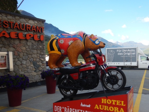 There's a bear on there ! This indicates that it's a Motorcycle friendly hotel