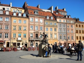 The famous mermaid of Warsaw - Market Square in Old Town