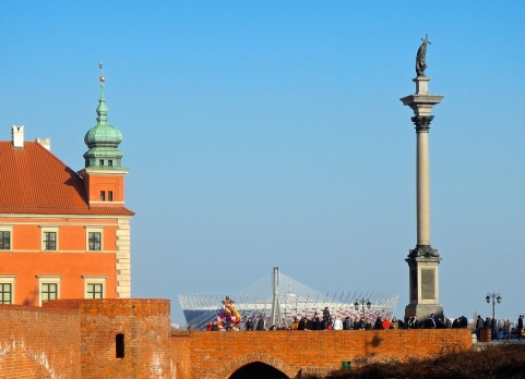 3 of Warsaw's icons - The Royal Castle, The stadium and Zygmunt's column
