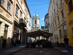 Street eating in downtown Lviv