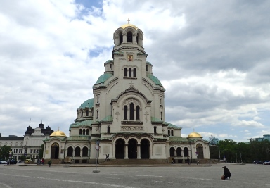 St Alexander Nevsky Cathedral, one of the largest eastern Orthodox churches in the world - capacity for10,000 people. Built between 1904 and 1912 by the Bulgarian people in memory of the thousands of Russian, Bulgarian, Ukrainian, Moldavian, Finnish and Romanian soldiers who, from 1877 to 1878, laid down their lives for the liberation of Bulgaria from the Ottoman Empire