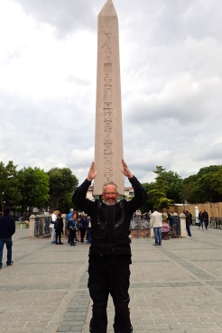 Column of Constantine Porphyrogenetus in Istanbul - 10th century A.D. ...... and a very clever Span to hold it up for so long!
