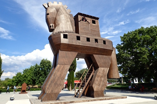 Everyone knows the story of the Trojan horse..... Look closely.... one brave warrior was left inside!!