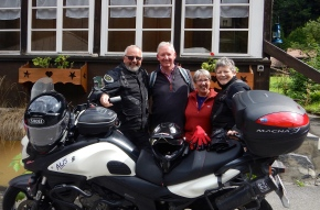 Chance meeting, Allan and Cathy Spencer form Dorset England